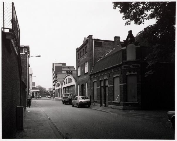 033728 - Utrechtsestraat met aan de rechterzijde het bedrijf van G. Boink-Meijer