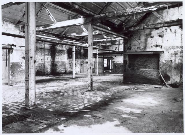 019261 - Interieur van een gebouw van de voormalige wollenstoffenfabriek C. Mommers