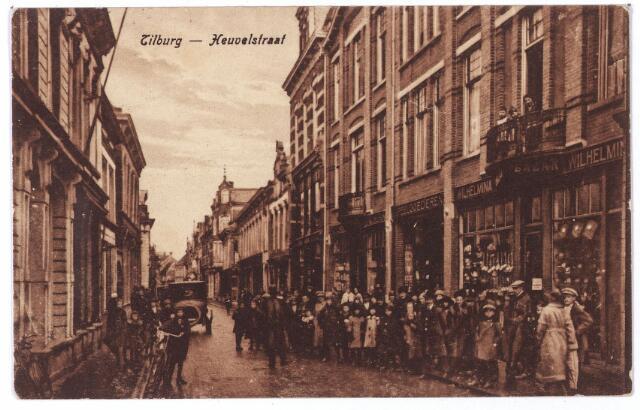 001173 - Heuvelstraat tussen Oude Markt en Willem II-straat.
