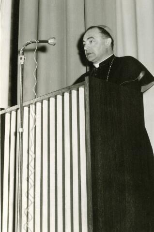092019 - Toespraak van de bisschop van Den Bosch, mgr. W.M. BEKKERS bij gelegenheid van de plechtige opening van de nieuwbouw van de St. Paulus-H.B.S, op 28 april 1960.