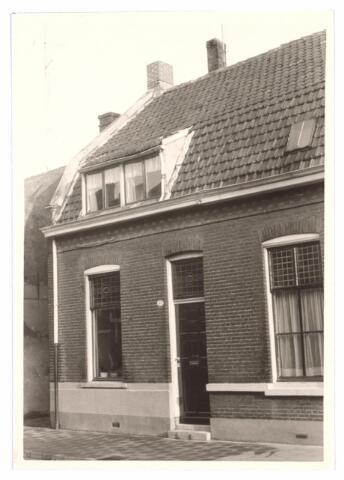 027014 - Noord Besterdstraat No. 62. Verbouwd in 1966.