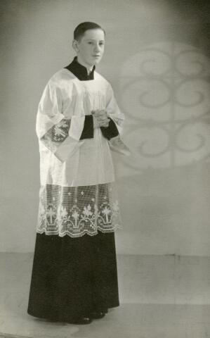 602150 - Adrie (AJM) Akkermans, geb. Tilburg 19-08-1948. Misdienaar Vredeskerk 1959-1963.