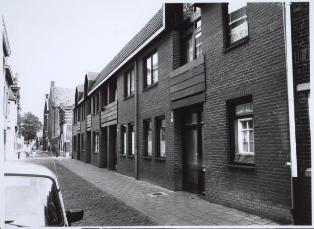 025493 - Nieuwbouwwoningen in de Langestraat, op de plaats waar voorheen steenhouwerij Petit was