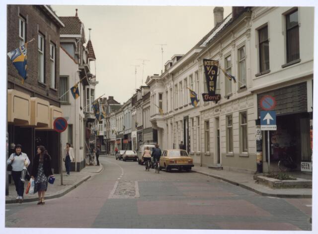 026905 - Nieuwlandstraat gezien in de richting van de Heuvelstraat