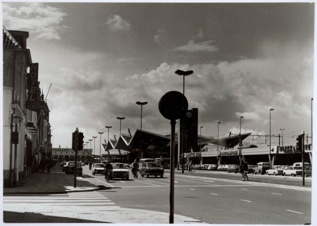 032058 - Spoorwegen: Station aan de Spoorlaan