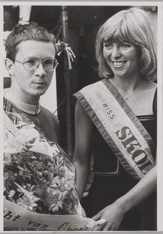 083523 - Acht van Chaam. Jan Peels, winnaar bij de nieuwelingen met Miss Anita.