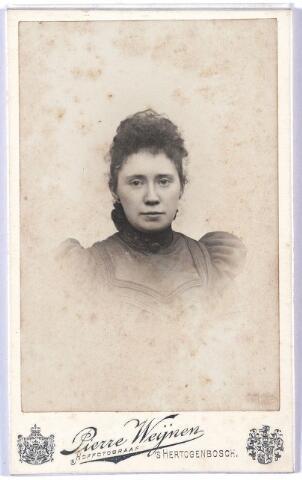 005365 - Anna Augusta Maria van VUGT (Den Bosch 1875-1949).