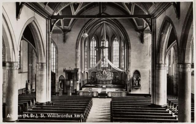 065321 - Interieur van de R.K. St. Willibrorduskerk.