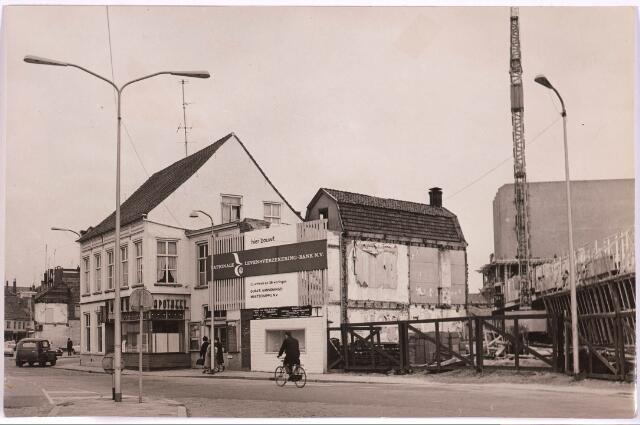 030977 - Schouwburgring. Oude apotheek Hodes, Zomerstraat.