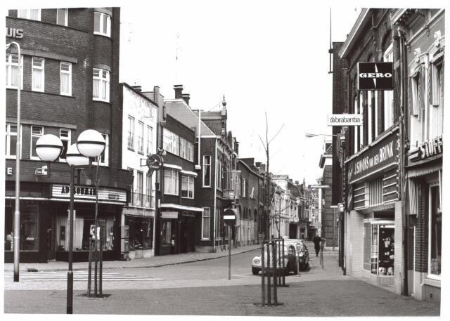 026974 - Nieuwlandstraat gezien vanuit de Heuvelstraat
