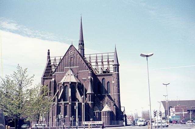413_00004 - Afbraak Noordhoekse Kerk. R.K. parochiekerk H. Hart van Jezus