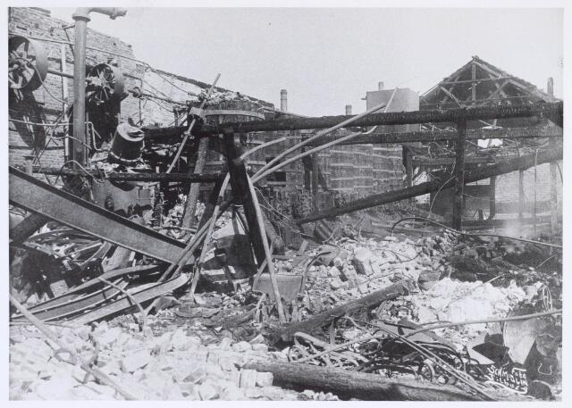 019496 - Brand bij lederfabriek Willem Vos aan de Goirkestraat in juni 1921