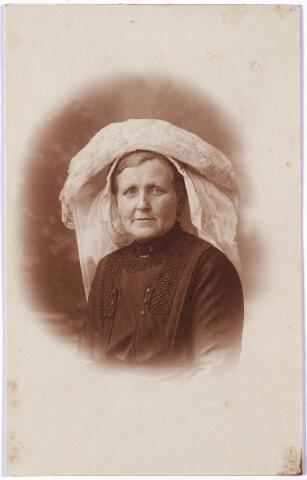 005714 - Mevrouw Smetsers