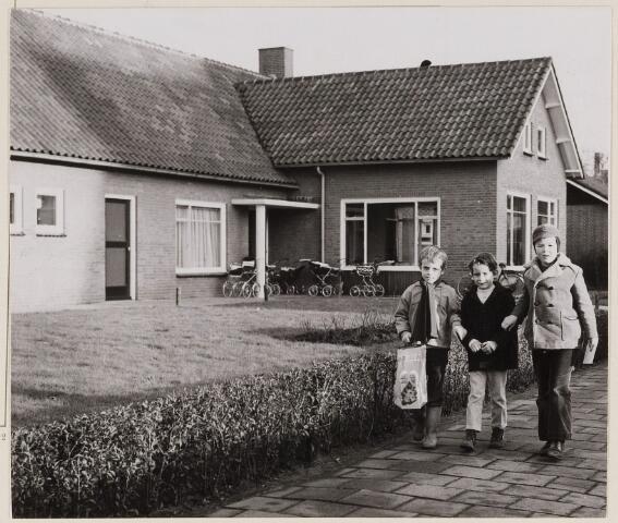 084572 - Wit-Gele Kruisgebouw