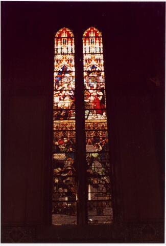 025362 - Glas-in-loodraam in de kapel van het St. Josephgasthuis aan de Lange Nieuwstraat