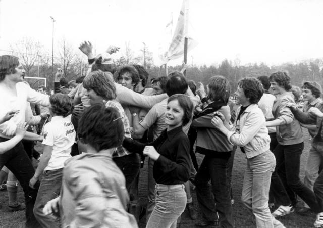 800067 - Voetbal vereniging Taxandria Oisterwijk. Kampioen.