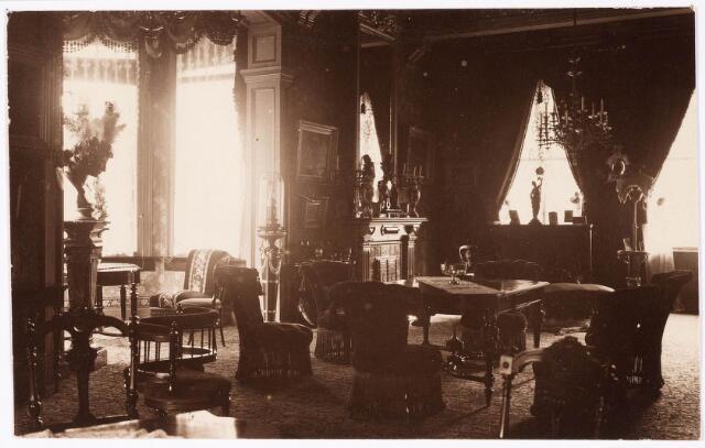 033276 - Het Victoriaanse interieur van villa Tivoli.