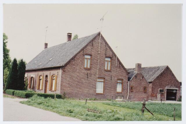 062872 - Twee onder één kap woningen aan De Kraan 80 en 82