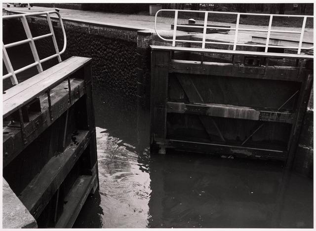 034783 - Sluisdeur van sluis III in het Wilhelminakanaal