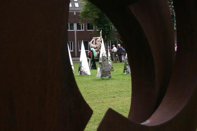 657314 - Kunst en cultuur. Tentoonstelling Oisterwijk Sculptuur.  Een jaarlijkse beelden expositie in het centrum van Oisterwijk.