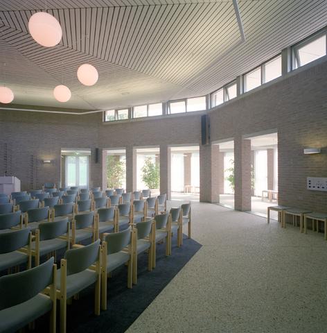 D-000979-1 - Uitvaartcentrum, crematorium DELA, Tilburg. Architectenbureau Bollen