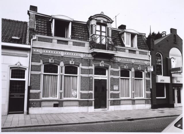 025092 - Assurantiekantoor L. P. G. Deliën en behang- en verfwinkel Pébé aan de Lange Nieuwstraat