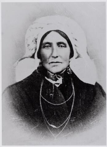 045960 - Johanna Schellekens overleed te Goirle op 28 april 1896. Zij was een dochter van Hendrik Schellekens en Johanna Maria Vromans. Zij trouwde landbouwer Petrus Bruers.