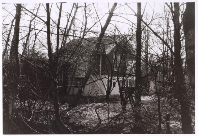 023920 - Voormalig 'plaisier tuin en huis'  van Willem II op Koningshoeven in 1975. In 1851, twee jaar na de dood van de koning, werd het gekocht door de textielverver Caspar Houben