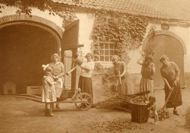 600628 - Kasteel Loon op Zand. Families Verheyen, Kolfschoten en Van Stratum
