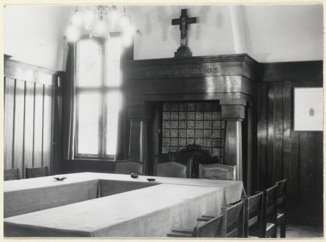 89098 - Interieur raadhuis Terheijden.Raadzaal.