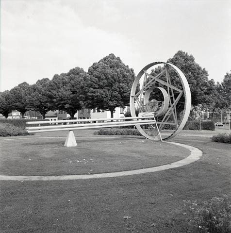D-00419 - 'Het Wiel' (Gerrit van Bakel 1987) Locatie - Ringbaan Noord 199 (PNEM)