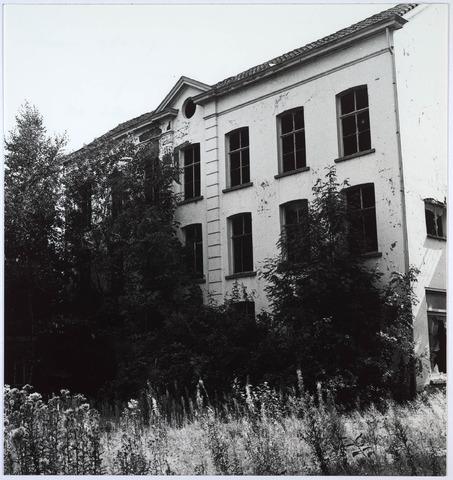 024417 - Textiel. Een van de gebouwen van Brouwers Lakenfabrieken. Het fabriekscomplex werd gebouwd vóór 1860 en gesloopt in de tweede helft van 1985