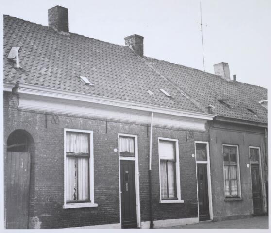 024177 - Panden Prinses Sophiastraat 37, 39 en 41 (van rechts naar links) kort voor de afbraak