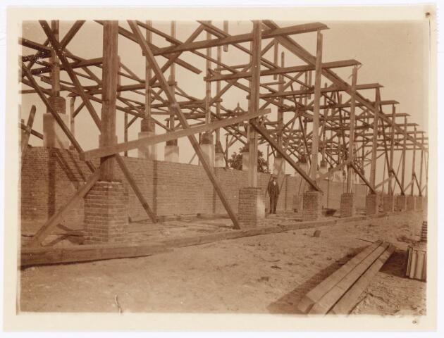 039584 - bouw oven steenfabriek firma Claesen aan de Lovense Kanaaldijk.