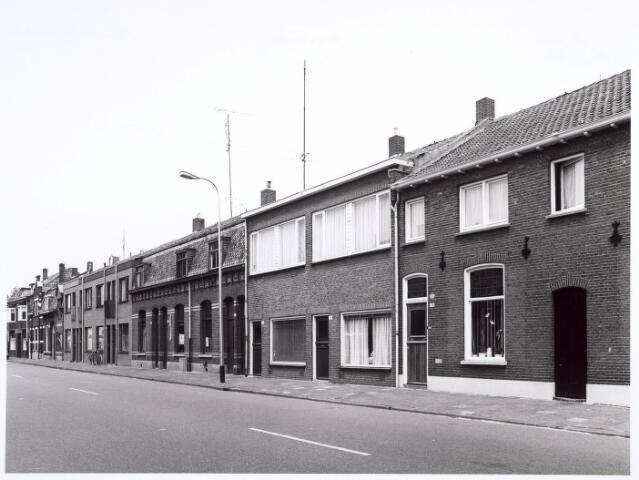 016649 - Panden Broekhovenseweg 92 tot en met 118 (van links naar rechts)