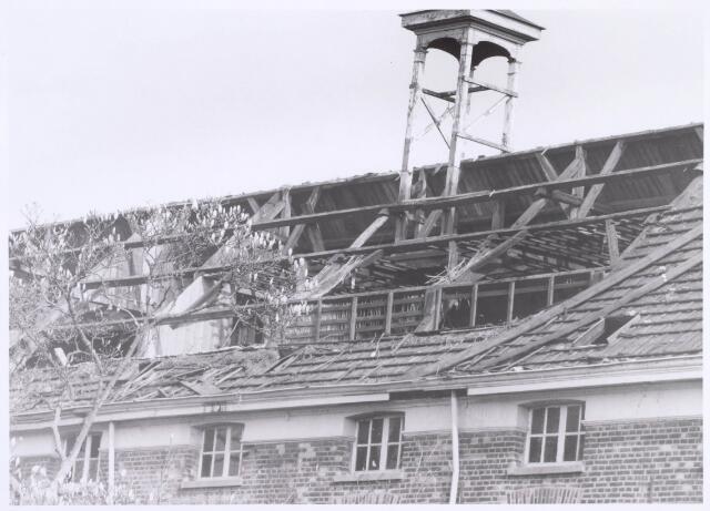022175 - Textiel. Sloop van wolspinnerij Pieter van Dooren aan de Hilvarenbeekseweg in 1975