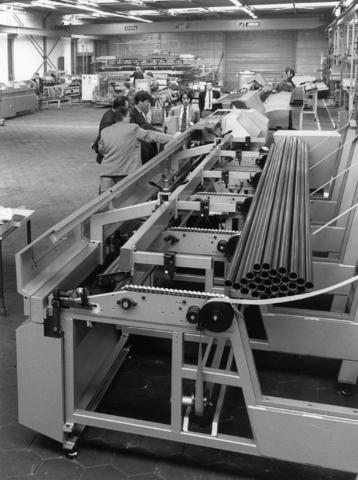 1238_F0054 - Machinebouw, industrieterrein Noord. Industrie, metaal, buizen.