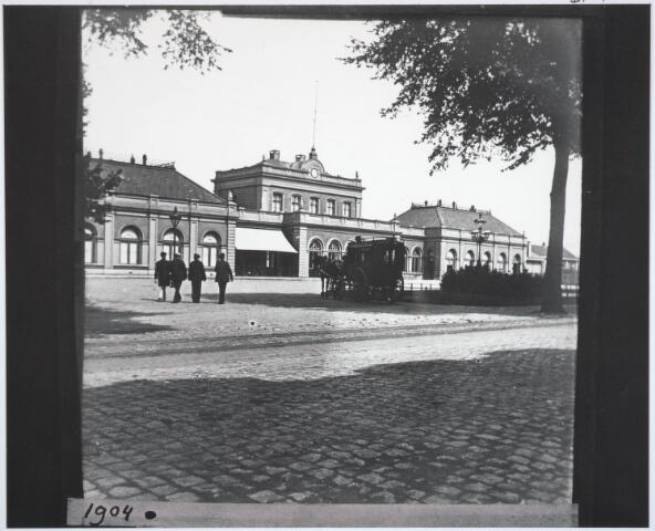 031802 - Spoorwegen: Station aan de Spoorlaan