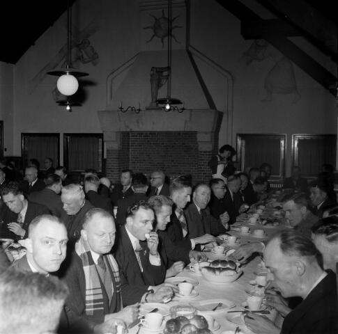 050426 - Centrale Raadsvergadering Katholieke Arbeiders Beweging  K.A.B  werkliedenvereniging Tuinstraat 66 Tilburg.
