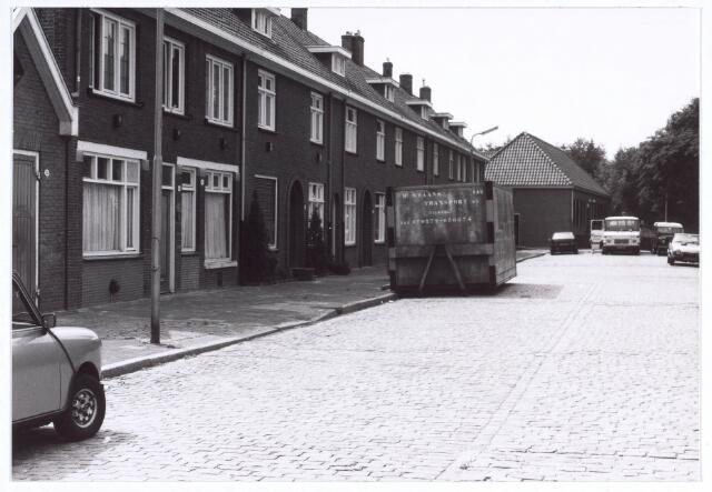 020194 - Hasseltplein halverwege 1986