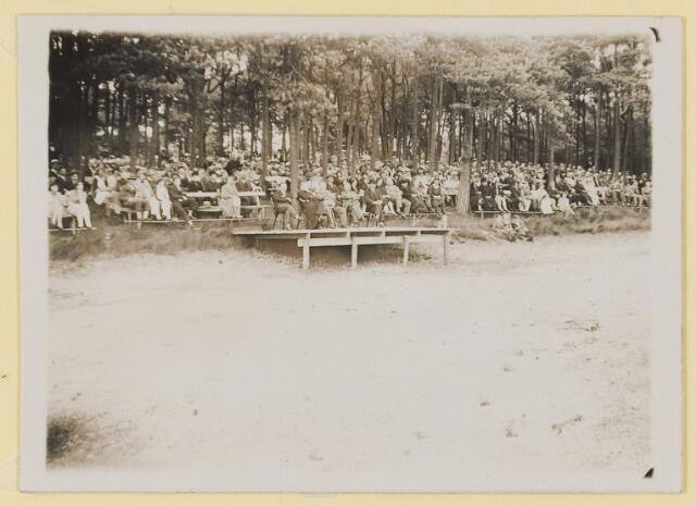 """076724 - Openluchtspelen Landgoed """"De Hondsberg""""van 1914 tot 1934."""