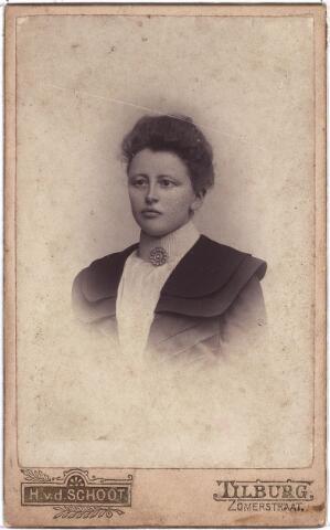 003878 - Johanna Catharina BURMANJE, geboren te Loon op Zand op 13 oktober 1869, overleden in het St. Nicolaasziekenhuis te Waalwijk op 28 juni 1939.  Was gehuwd met Petrus Johannes Franciscus Gloudemans.