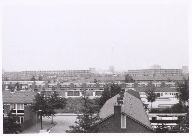 022801 - Gedeelte van Het Zand gezien vanaf de flat aan de Sint Hubertusstraat