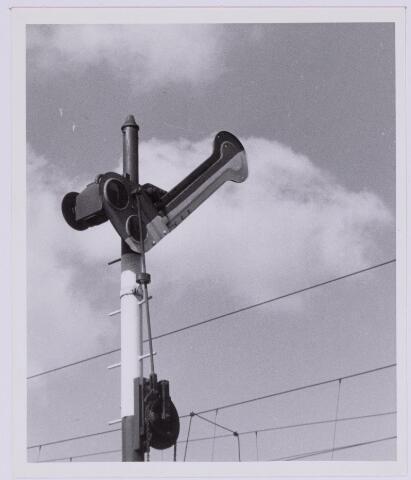 036834 - Spoorwegen: seinpaal