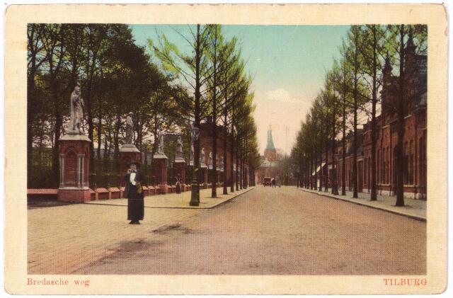 000114 - Bredaseweg met kerkhof.