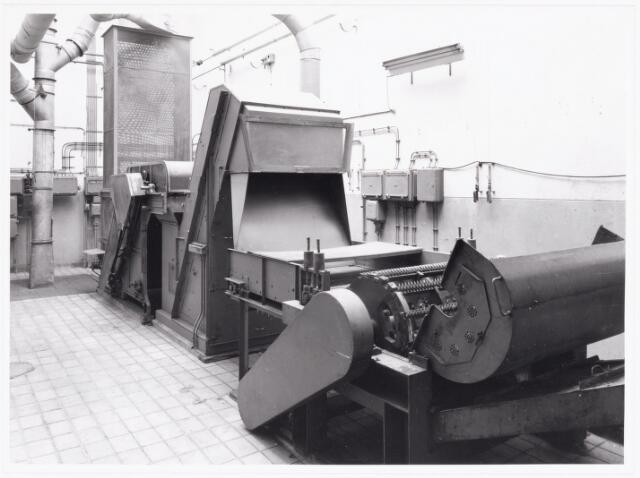 038054 - Textielindustrie. Interieur van de wollenstoffenfabriek André van Spaendonck en zonen