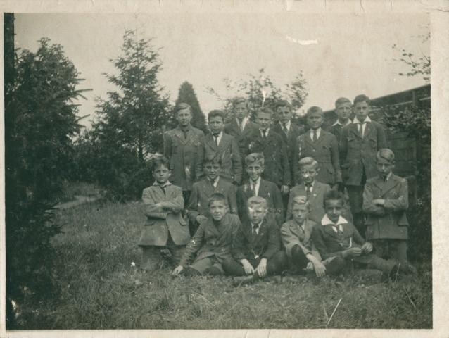 655514 - St. Joseph Missiehuis. Derde trimester 1920 - 1e klas B. Met o.a. Noordman, Hootsman, Kuipers en v.d. Beemt
