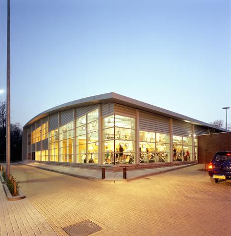 D-00765 - Sportschool Club Pellikaan Tilburg (Hooper architects)