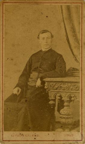 092189 - Mgr. Janssens, de aartsbisschop van New Orleans; hij werd in Tilburg geboren als Franciscus Augustinus Antonius Janssens op 17 oktober 1843 als zoon van koopman Cornelis Janssens en Josephina Anna Martina Dams. In 1881 werd hij bisschop van Natchez (Mississippi) en in 1888 bisschop van New Orleans. Op 10 juni 1897 overleed Mgr. F.A.A. Janssens tijdens zijn reis naar Nederland en werd in New Orleans begraven.