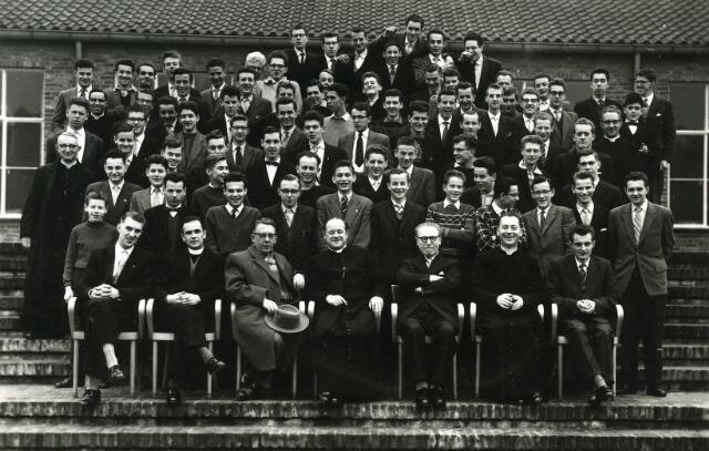 092011 - EINDEXAMEN-RETRAITE Sint PAULUS HBS maart 1959 te Heeze.